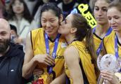 排球大片!女排世俱杯决赛朱婷21分助瓦基弗3:0米纳斯成功卫冕!