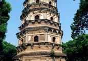 """苏州有座中国版的""""比萨斜塔""""。"""