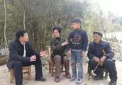 著名儿童文学作家毛芦芦不远万里来到镇平为他写书