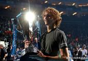 网坛代有人才出,德国小将兹维列夫勇夺ATP年终总决赛冠军
