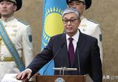 哈萨克斯坦新总统就任第一天,首都就改了名字