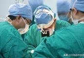 开颅手术中,患者被叫醒做数学题!这波操作背后的医生太牛了!
