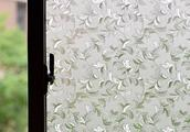 现在的人都不用窗帘!都在用这种静电窗贴,透光不透明还不用清洗