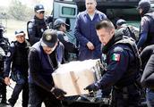墨西哥毒品泛滥!13万军队对抗10万毒贩,毒枭的作为连特朗普都怕