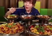 吃播大胃王-mini挑战5大份干锅,嘴巴一下也不停,胃口超大