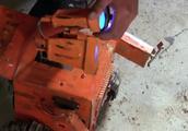 现实版机器人总动员!老外在垃圾堆里造机器人,成功还原好莱坞!