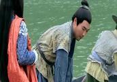 女子想过河,船夫却说龙王过寿不宜下水,结果奇迹发生