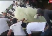 墨西哥输油管爆炸致79人死,盗油现象司空见惯