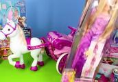 有趣的迪士尼公主马车玩具,长发公主冰雪公主灰姑娘美人鱼