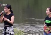 中国情歌汇:美女挑战中国男高音,太好听了,戴老师自叹不如!