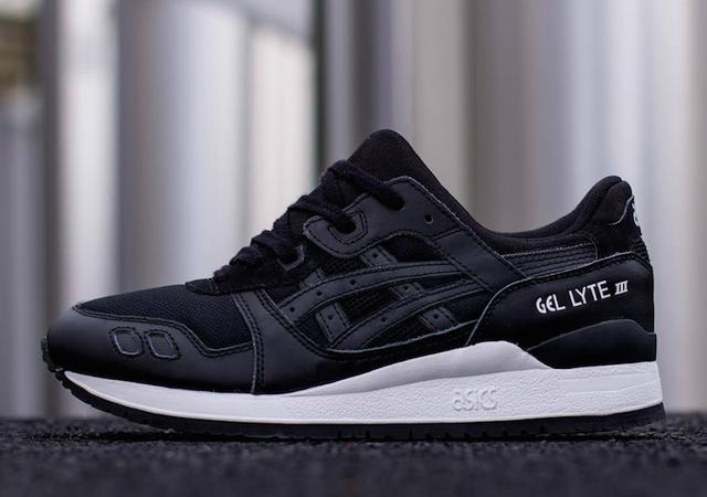 "Asics Gel ""Black Pack"""