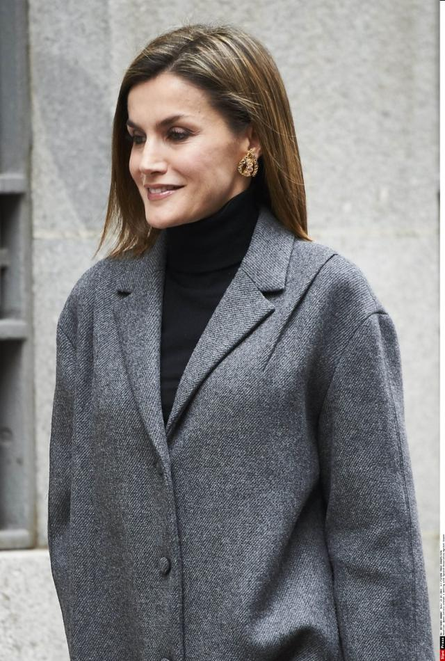 西班牙王后莱蒂齐娅 Queen Letizia attends a meeting with Spanish Association Against Cancer