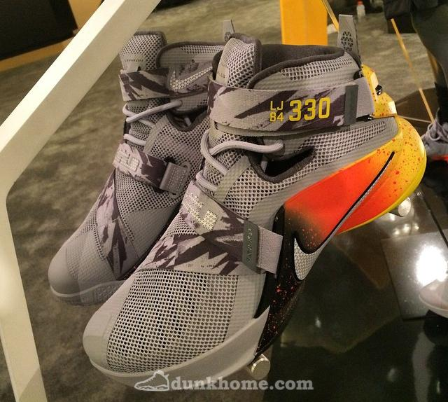 "LeBron Soldier 9 ""The Academy""配色实物"
