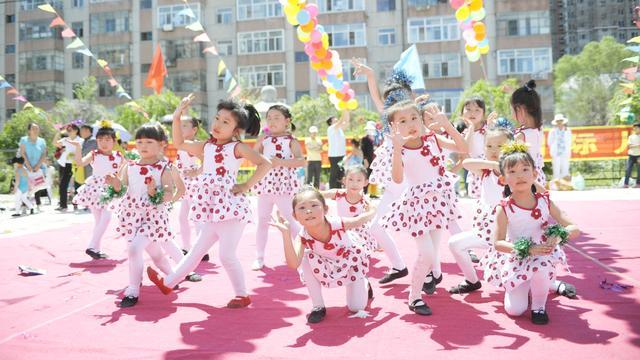 儿童舞蹈欢乐童年_我的童年舞蹈