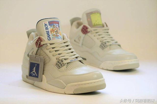 "Air Jordan IV Custom——""Game Boy""主题客制版本"