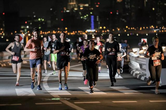 The ultimate guide to night running in the city 广州夜跑路线大全!燃烧你的卡路里