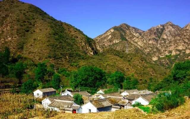 The Intruduction of Exquisite Folk Houses in Huangtugui