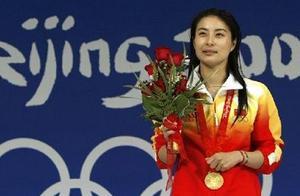 奥运冠军郭晶晶低调生三胎变生育强人,港姐婆婆朱玲玲曾连生三子