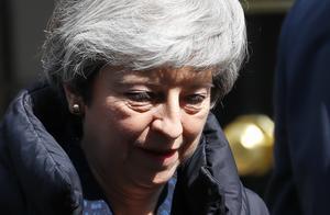 内阁出内鬼?泄露华为5G秘密决策的英国国防大臣被开除了!