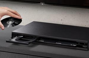 索尼X800M2 4K蓝光播放器售价300美元,还有280美元的音箱