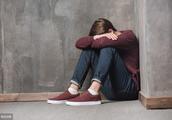 17岁忧郁症俄罗斯少年请求网友吐槽他,称想结束自己,但结局逆转