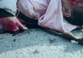 女总裁成为马路杀手!一脚踩错油门冲向人行道,现场伤亡惨重